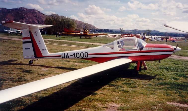 Lark Motorglider IS-28 M2